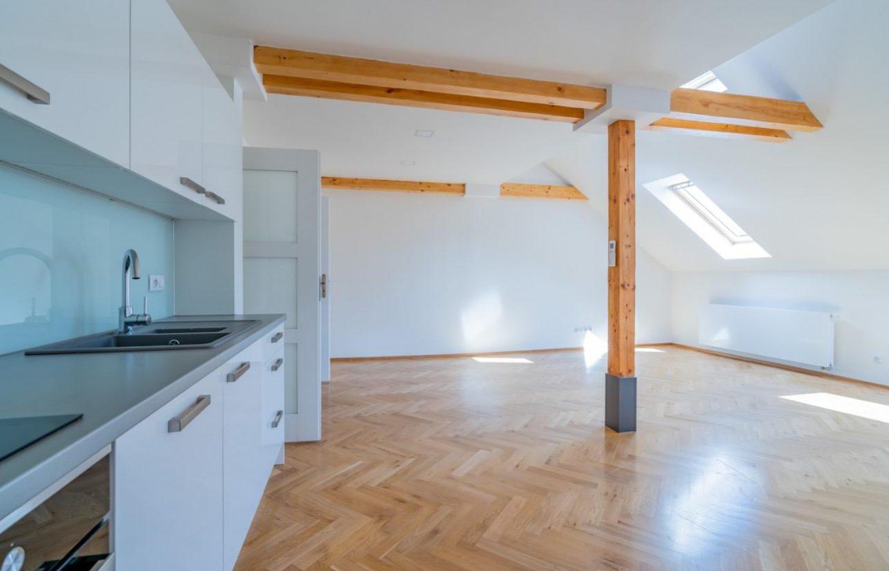 Rezidence Křižíkova, E15